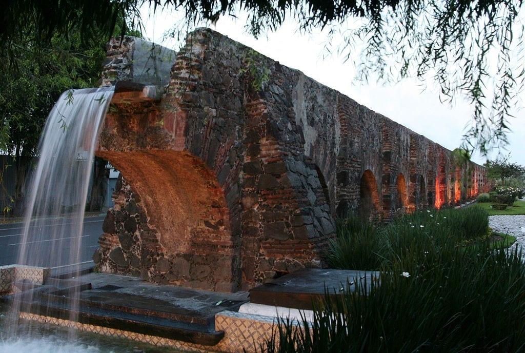 Chapultepec aqueduct today